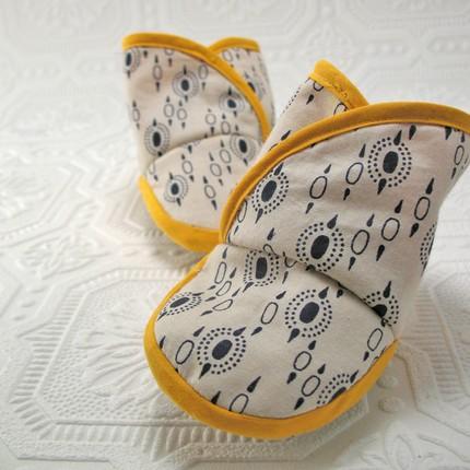 heypeanut_babybooties.jpg