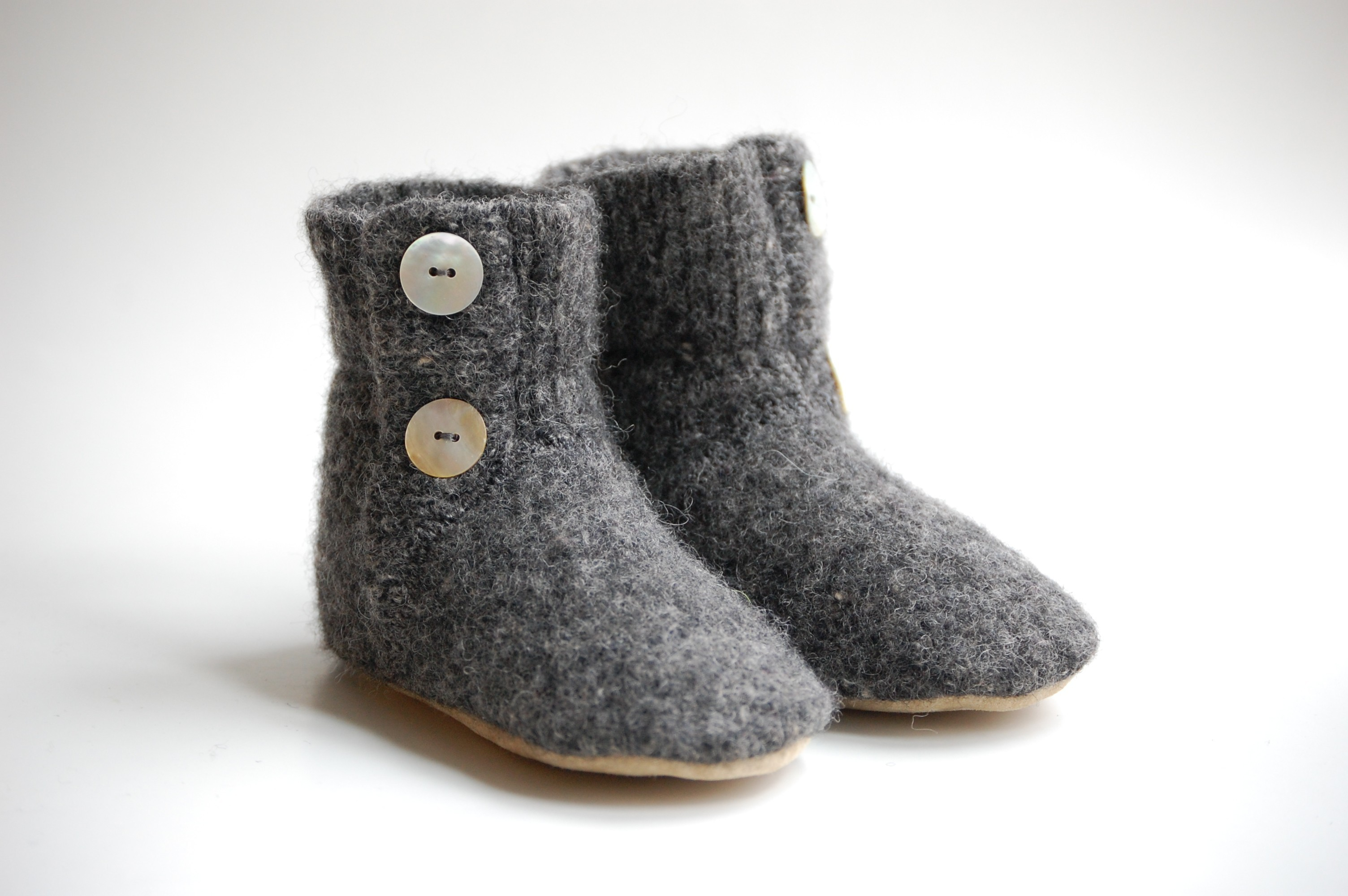 wooly baby, booties, baby, children, footwear, slippers, thelooksee