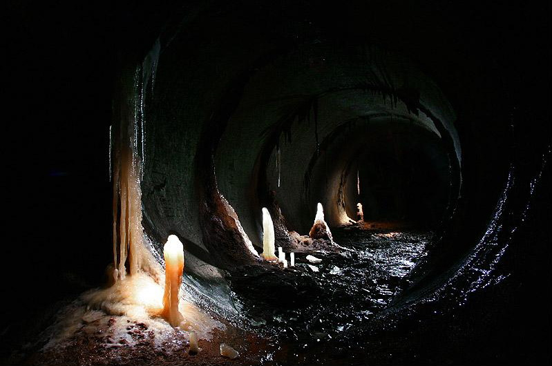 russian sewers, stalactite, stalagmite, geology, thelooksee