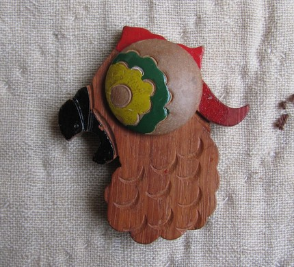 mousetrap vintage, bird brooch, painted, wood, thelooksee