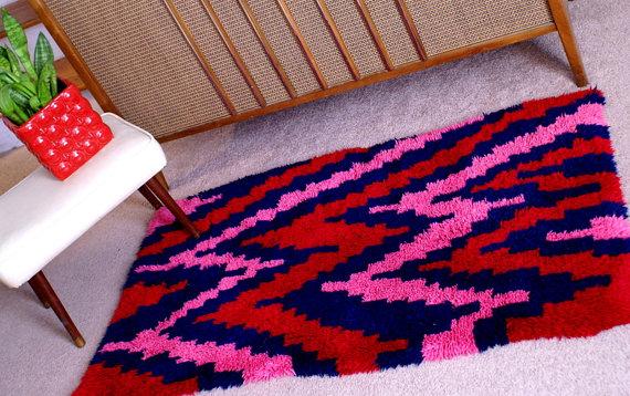 zigzag rug, vintage, bright, contrast, kcuz, etsy